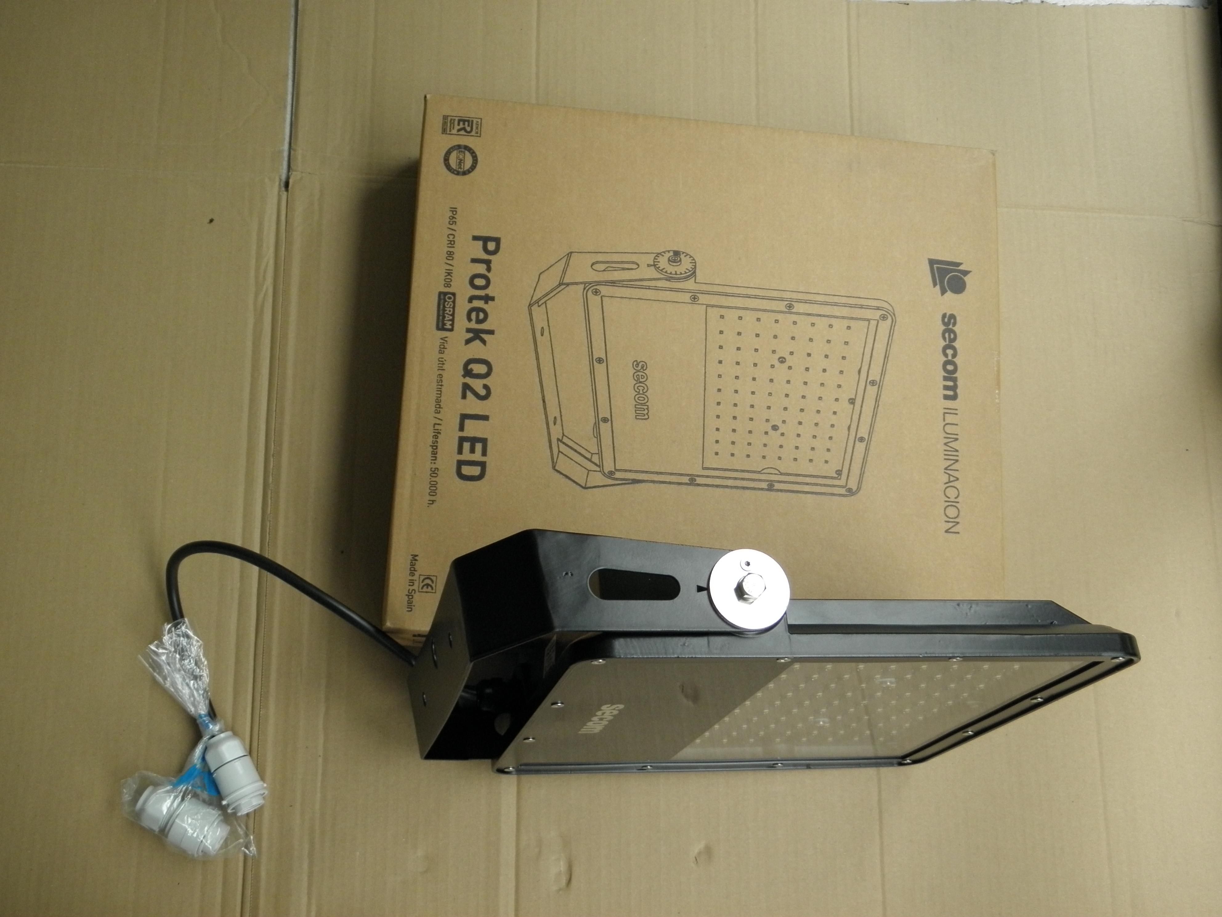 Projektor Protek LED 200W                                     5.000K 50.000 godzin IP65